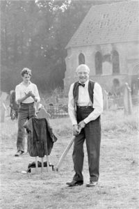 Laurence Olivier Plays Cricket 2