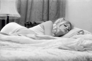 Goldie Hawn Bed Time
