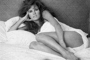 Raquel Welch in Bedsheets 2