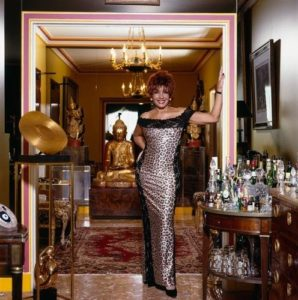 Shirley Bassey In Her Home