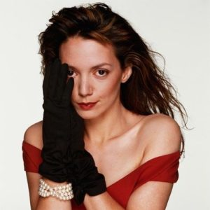 Joanne Whalley-Kilmer Black Gloves