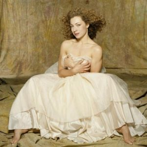 Alex Kingston Big White Dress