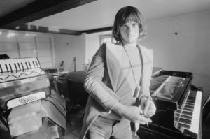 Mike Oldfield Piano Stare